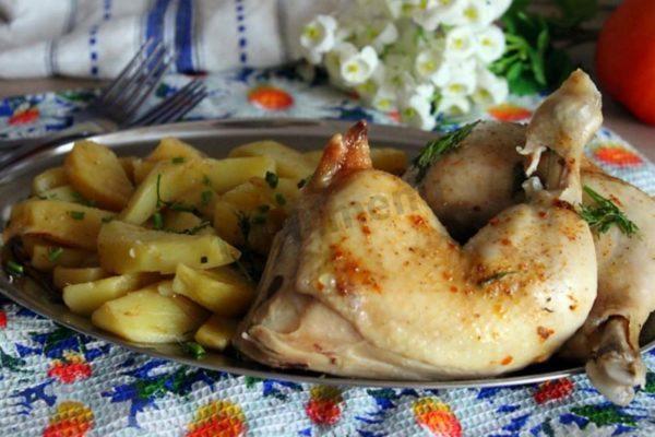 Курица, запеченная в микроволновке с картофелем