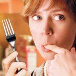 Медики рассказали, о чем сигнализирует чувство голода после еды