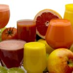 Названы самые полезные сочетания соков