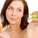 Названы самые вредные продукты для женского здоровья