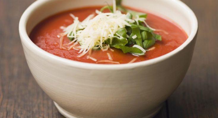 Суп пюре с помидорами и брынзой
